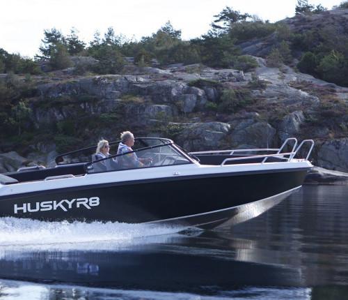 Husky R8